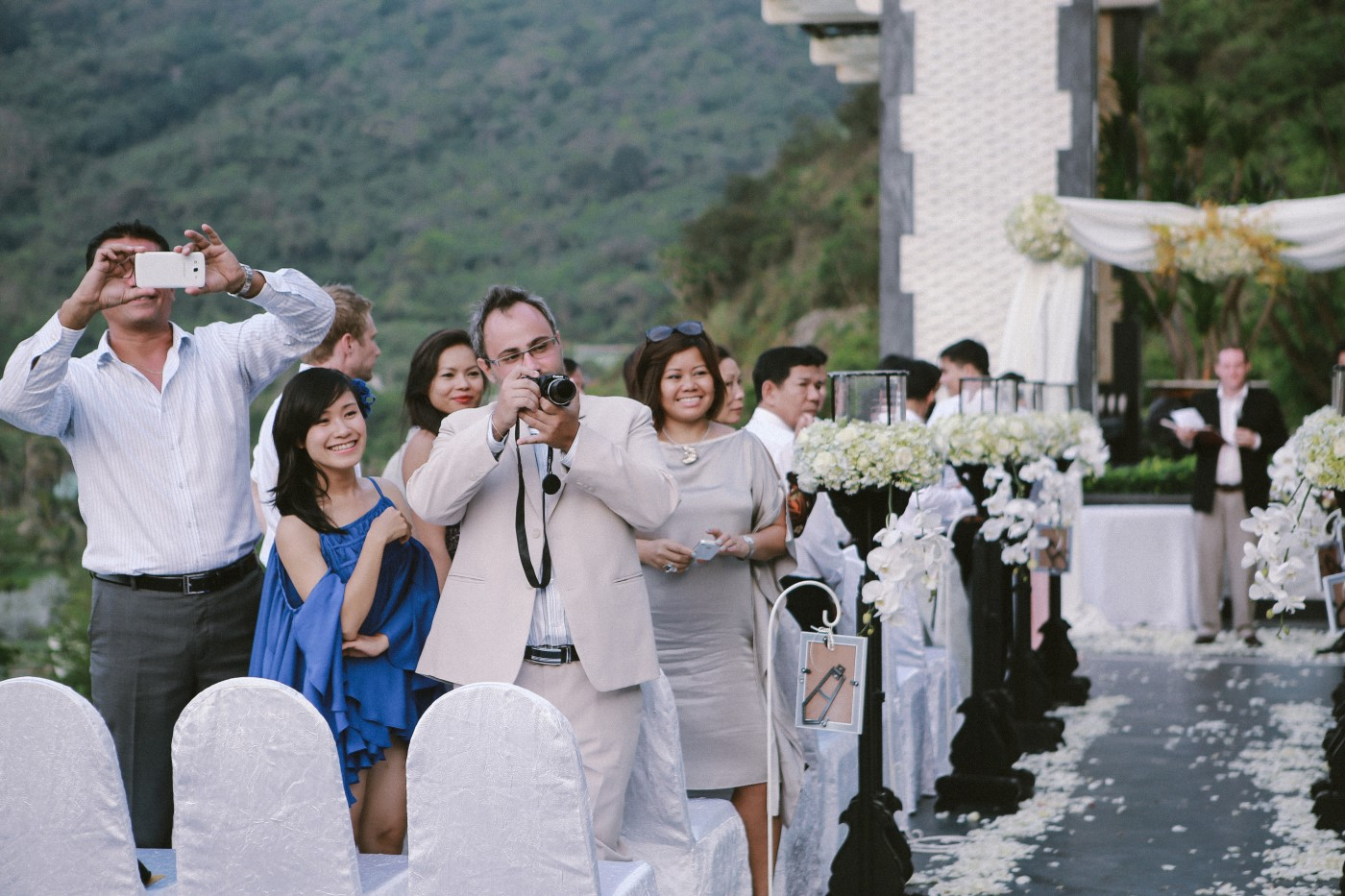vietnam wedding photographer